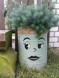 Yard art diy garden projects Ideas for 2019 Container Flowers, Container Plants, Container Gardening, Container Design, Garden Crafts, Garden Projects, Art Projects, Yard Art, Pot Jardin