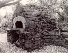 old stone ovens | oven in California built by Alan Scott in the style of the great stone ...