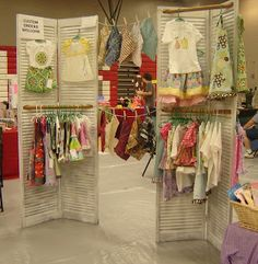 Love this louvered door idea for a standing display. Froggy Girl Designs: Craft Show: The Aftermath