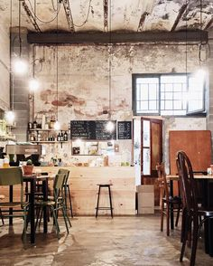 coffee house 51 Craziest Coffee Shop Ideas That Most Inspiring Cafe Interior Design, Cafe Design, House Design, Industrial Coffee Shop, Industrial House, Industrial Restaurant Design, Rustic Coffee Shop, Deco Restaurant, Luxury Restaurant