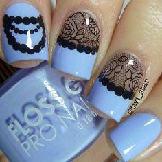vintage lace blue manicure