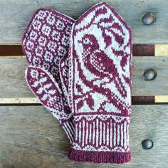 Ravelry: Songbird Mittens pattern by Erica Heusser Crochet Hat Size Chart, Crochet Bookmark Pattern, Crochet Bookmarks, Mittens Pattern, Crochet Hats, Crochet Granny, Loom Knitting Patterns, Crochet Stitches Patterns, Knitting Stitches