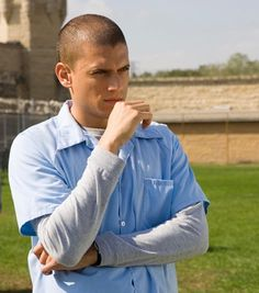 Micheal Scofield- I have an obsession because of his mind too and he's super sexy!!!