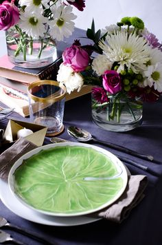 Set a modern and romantic Valentine's Day table this year... http://thouswell.co/modern-romantic-valentines-day-table