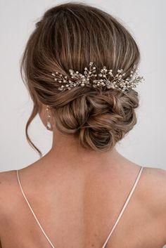 bridal hair // bridal makeup // wedding hair // wedding makeup // bride // bridal beauty // pinned hair // updo / soft waves // hair accessory // bridal hair accessory // calgary wedding // #bridalhair // #bridalupdo // #lowbun // low bun Wedding Hair Up, Elegant Wedding Hair, Wedding Hairstyles For Long Hair, Hairstyle Wedding Bridesmaid, Bridesmaid Hair Vintage, Low Bun Wedding Hair, Soft Wedding Makeup, Wedding Hair Pieces, Bridal Hair Buns