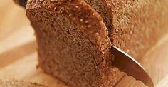 Receita de pão integral da Bela Gil Ingredientes 4 xícaras de farinha de trigo integral 3 colheres (chá) de fermento biológico seco 2 e 1/2 xícaras de água morna 1 colher (chá) de sal 1/3 xícara de óleo de coco (pode usar outro óleo vegetal ou ghee) 2 xícaras de farinha de trigo branca Modo …