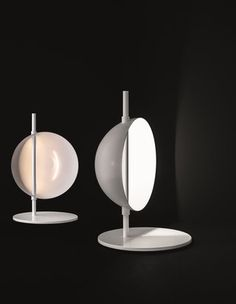 Superluna de Oluce at Latitude Nord: Table lamp with indirect and reflected light and one rotating half sphere, to ...