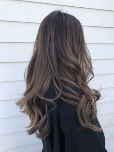 61 Ideas Hair Color Black Highlights Caramel Balayage For 2019 Brown Hair Balayage, Balayage Brunette, Hair Color Balayage, Brunette Hair, Hair Highlights, Ombre Hair, Blonde Hair Dyed Brown, Wavy Hair, From Brunette To Blonde