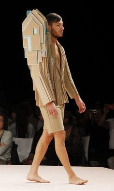 Modeshow Academie Antwerpen. Guess he's a real homebody.