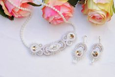 White Necklace, Wedding Necklace, Bridal Necklace, Clear crystal Necklace, Soutache Necklace, Winter elegant Necklace, Christmas gift This White elegant Necklace is made in soutache embroidery technique. The Necklace is made with Rayon Soutache, Faceted glass Crystal, Glass Crystal