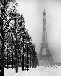 Paris in winter, 1948 (photo by Dmitri Kessel for LIFE Magazine)
