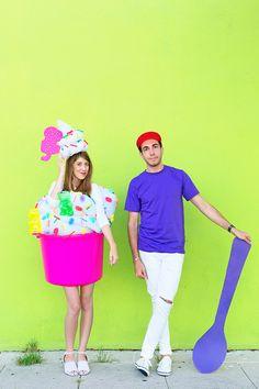 http://www.studiodiy.com/wordpress/wp-content/uploads/2015/10/DIY-Froyo-Costume-10.jpg