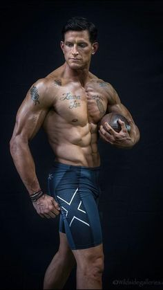 york bodybuilder New straight men