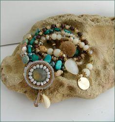BRACELET Wood Watch, Bracelets, Accessories, Fashion, Arm Warmers, Wooden Clock, Moda, Wooden Watch, Fashion Styles