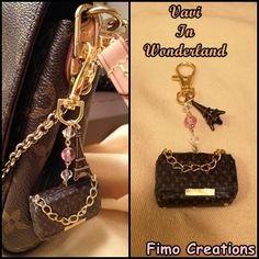 Pochette LV Louis vuitton portachiavi keychain Charm monogram Favorite MM..............Guarda questo articolo nel mio negozio Etsy https://www.etsy.com/it/listing/553049968/portachiavi-charm-fashion-borsetta-fatta