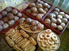 "Well... quality is not so good but... the food is, for sure! :) Donuts and éclairs for polish ""Fat Thursday"""