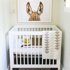 Fantastic baby nursery detail are offered on our website. Take a look and you wont be sorry you did. Nursery Nook, Nursery Decor, Nursery Layout, Nursery Artwork, Project Nursery, Nursery Design, Room Decor, Small Baby Cribs, Small Baby Rooms