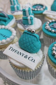 Beautiful Cake Pictures: Tiffany Blue Change Purse Cupcake: Birthday Cupcake, Cupcakes, Themed Cupcakes