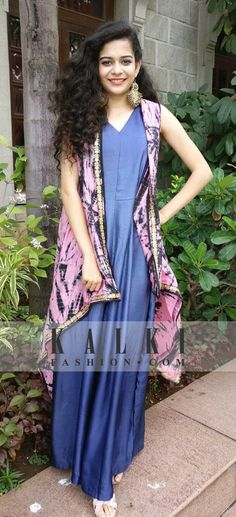 doing the fusion fashion right with our jumpsuit at the press conference SKU: 337024 Pakistani Dresses, Indian Dresses, Mithila Palkar, Classy Casual, Western Outfits, Knee Length Dresses, Bollywood Fashion, Fashion 2020, Designer Wear