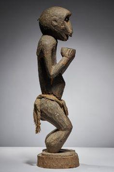 Lot n°55  Baule Monkey Garden Sculpture, Lion Sculpture, Ivoire, Auction, Statue, Outdoor Decor, David, Collection, Sculptures