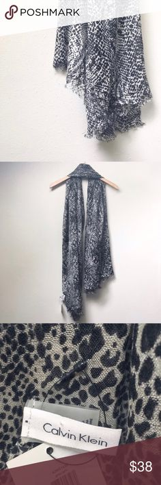 Animal Print Fashion Scarf New with tags Calvin Klein animal (cheetah/leopard) print scarf. A beautiful addition to any closet, just in time for fall!  ✅Bundle & Save 🚫Trades 🚫Off-Posh 🚫Modeling  💞Shop with ease; I'm a Posh Ambassador.💞 Calvin Klein Accessories Scarves & Wraps