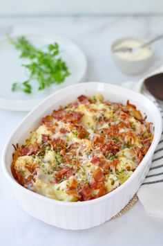 Low-Carb Garlic Mac and Cheese with Bacon — Recipe — Diet Doctor Bacon Recipes, Low Carb Recipes, Diet Recipes, Recipies, Bacon Mac And Cheese, Cauliflower Mac And Cheese, Diet Doctor Recipes, Main Meals, Lchf