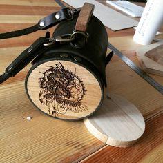 Гравировка на суммах для бренда Electra. Made by Make. #Electra #bicycle #велосипеды #велики #аксессуары #сумки #кожанаясумка #сумкивмоскве #сумкидлявелосипеда #дизайн #лазерная_гравировка #lasercut #make_fabrication_studio #make_fabrication #accessories #bags #design #flacon by make_fabrication