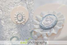 sugary cameo cake details