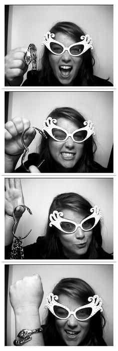 Fumi bracelet/purse hook....Photobooth action.