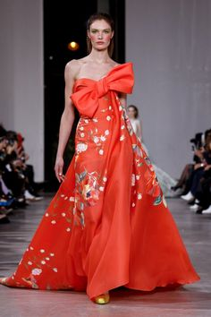 Georges Chakra Spring 2019 Couture - Worn by Lucy Liu at the Kennedy Center Honors' Georges Chakra, Fashion Week, Runway Fashion, Fashion Show, Women's Fashion, Fashion Trends, Style Couture, Haute Couture Fashion, Style Édouardien