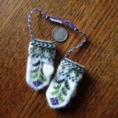 Ravelry: llunallama's Mini Mittens for Swap