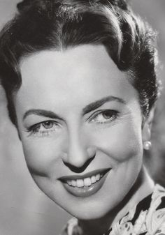 Agnes Moorehead.