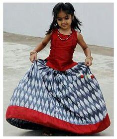 Cotton Frocks For Kids, Frocks For Girls, Little Girl Dresses, Baby Dresses, Girls Dresses, Kids Indian Wear, Kids Ethnic Wear, Kids Frocks Design, Baby Frocks Designs