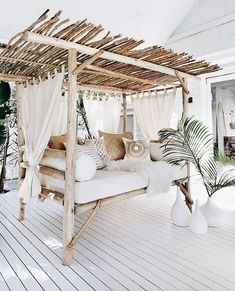 , Easy DIY Outdoor Bench Ideas For Your Backyard. Pretty backyard deck with a bamboo canopy bed. Great backyard design for parties. Home design deco. , Easy DIY Outdoor Bench Ideas For Your Backyard Living Room Bar, Living Room Furniture, Living Room Canopy, Cozy Living, Living Rooms, Villa Design, House Design, Deck Design, Outdoor Daybed