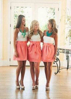 Super cute bridesmaid skirts instead of dresses. Each girl picks out their own blouse. These actually can be worn again! And much less expensive!not for my wedding but maybe for bridal shower? that way people can get to know the wedding party. Bridesmaid Skirts, Coral Bridesmaids, Wedding Bridesmaids, Bridesmaid Outfit, Bridesmaid Necklaces, Bridesmaid Ideas, Fru Fru, Mein Style, Wedding Wishes