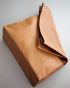 'paper' bag/clutch in leather