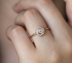 Custom Wedding Rings Halo Diamond Ring with round diamond in yellow gold Round Halo Engagement Rings, Classic Engagement Rings, Gold Bridal Earrings, Bridal Rings, Ring Earrings, Bijoux Design, Ring Verlobung, Gold Gold, Wedding Bands