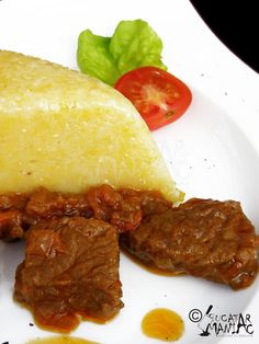 This was delicious with polenta and small tortillas! Romanian Food, Romanian Recipes, I Want To Eat, Polenta, Meat Recipes, Cornbread, Stew, Lamb, Food And Drink