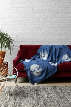 Noodle Tie-Dye Throw Blanket #urbanoutfitters