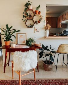Boho Room, Boho Living Room, Earthy Living Room, Decoration Hall, Diy Wall Decorations, Decoration Bedroom, Decoration Inspiration, Decor Ideas, Desk Inspiration