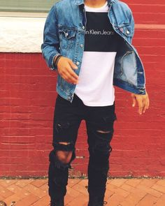 Stylish and Trendy Ripped Jeans Outfit for Men Fashion Mode, Urban Fashion, Fashion Trends, Fashion Ideas, Guy Fashion, Street Fashion, Mens Teen Fashion, Skater Fashion, Workwear Fashion