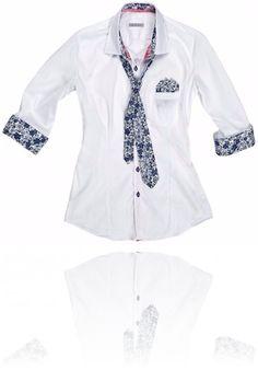 Camicia bianca con dettagli #Flower Seguici su #RedisRappresentanze www.redisrappresentanze.it