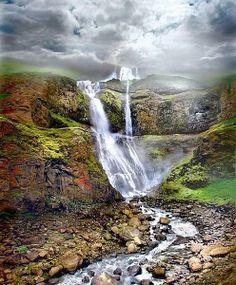 Iceland mountian falls