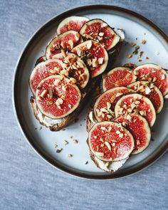 """Micadeli.com on Instagram: """"Sourdough toast with figs. 🔥 Afternoon snack with the sweetest, softest, seasonal figs. My favorite fruit these days.. Have some of you…"""""""