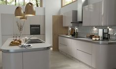 Wren Living: Handleless Cashmere Gloss Kitchen - if white is a bit too bright for you, try this softer tone for a little luxury. We love the sweeping curves and clean lines; a real statement of chic. Kitchen Sale, Home Decor Kitchen, Kitchen Interior, Home Kitchens, Modern Kitchens, Kitchen Ideas, Kitchen 2016, Fitted Kitchens, Contemporary Kitchens