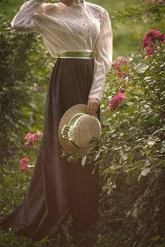 Imagem de dreams, dress, and flowers