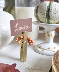 12 Thanksgiving Place Cards to Decorate Your Table   Decorating Files   decoratingfiles.com