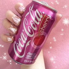 Make me a Barbie princess Coca Cola, Purple Aesthetic, Aesthetic Food, Tout Rose, Images Esthétiques, Pink Foods, Weird Food, Everything Pink, Photo Wall Collage