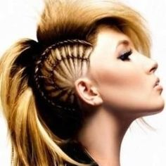 How awesome is this hair style? I want this! Love it!