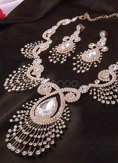 Deluxe Peacock Rhinestone Jewelry Set For Bridal. Earrings Size 3.5*6 cmPendant Size 10.5*6 cmChain Length 38-44 cm. See More Wedding Jewelry Sets at http://www.ourgreatshop.com/Wedding-Jewelry-Sets-C924.aspx